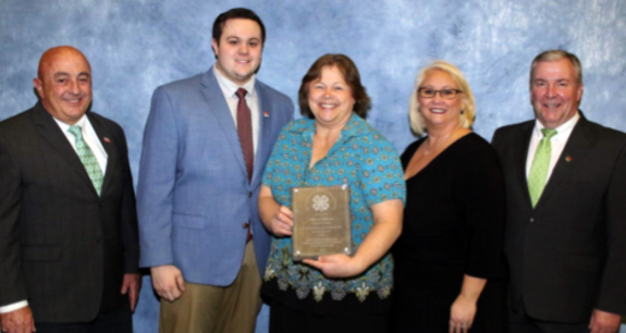 <i>Three local 4-H volunteers attended annual conference</i>
