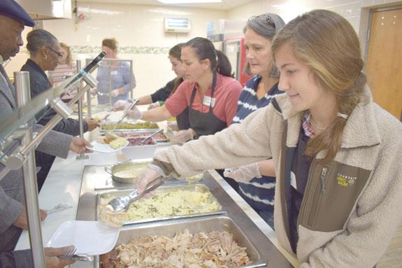 <i>Volunteers make 'Turkey Day' a celebration, pics 2</i>