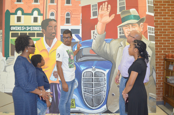 <i>Mural offers a peek into the past downtown</i>
