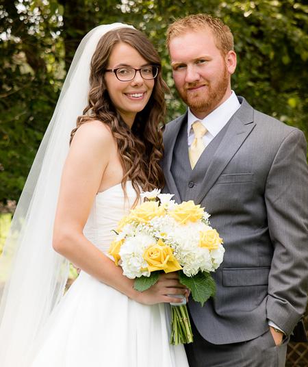<i>Church rites unite couple</i>