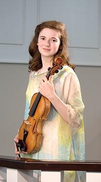 <i>Craftsman gives away a violin every Christmas</i>