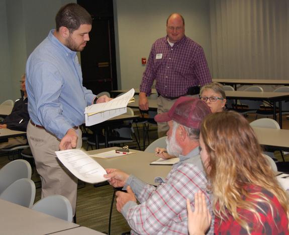 <i>Farmers Market survey considering options, locations</i>