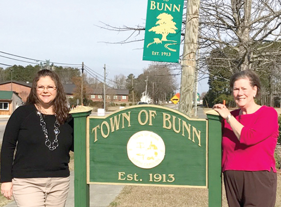 <i>Retirement looms for Bunn clerk</i>