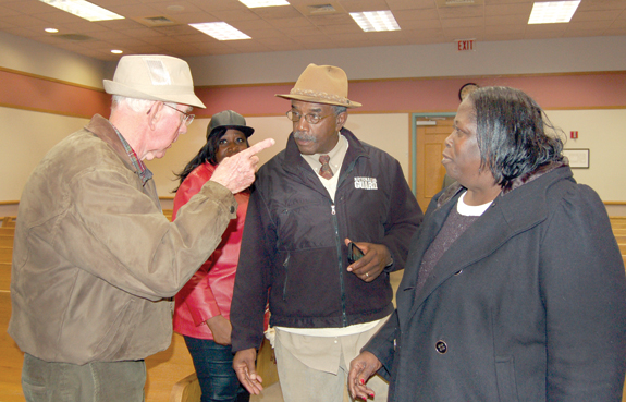 Pernell retains mayor's job; incumbents fare well