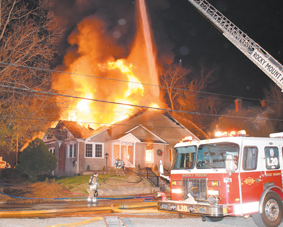 Flames destroy Nashville funeral home