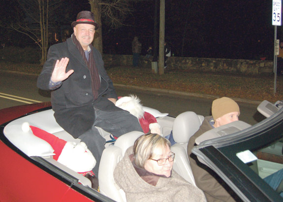 <i>Santa was one popular fellow in Franklinton! 5</i>