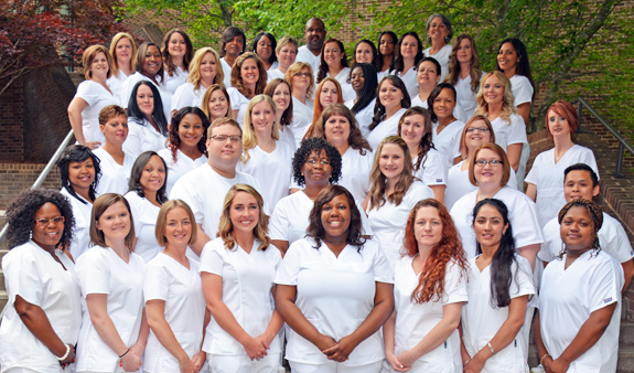 <i>VGCC pins associate degree nursing graduates</i>